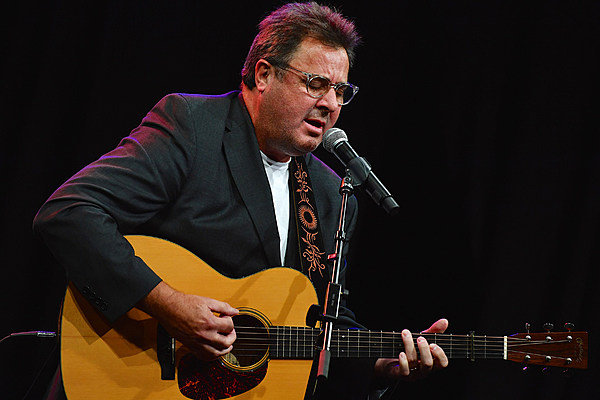 vince gill talks about his future with the eagles. Black Bedroom Furniture Sets. Home Design Ideas
