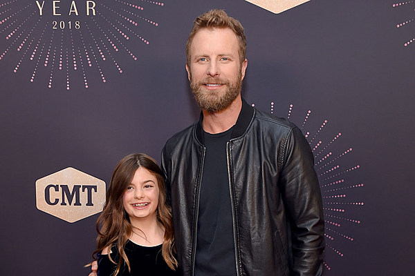Dierks Bentley Takes His Daughter To Cmt Event Honoring Women