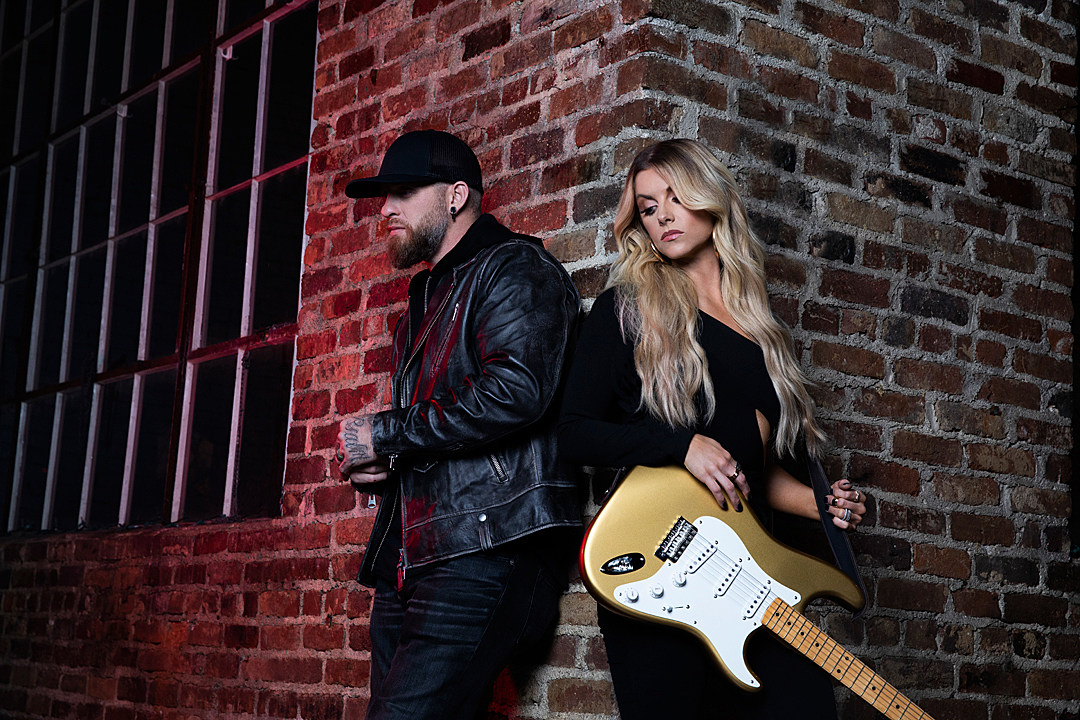 Can Brantley Gilbert + Lindsay Ell Bring Their 'Small Town' to the Countdown?