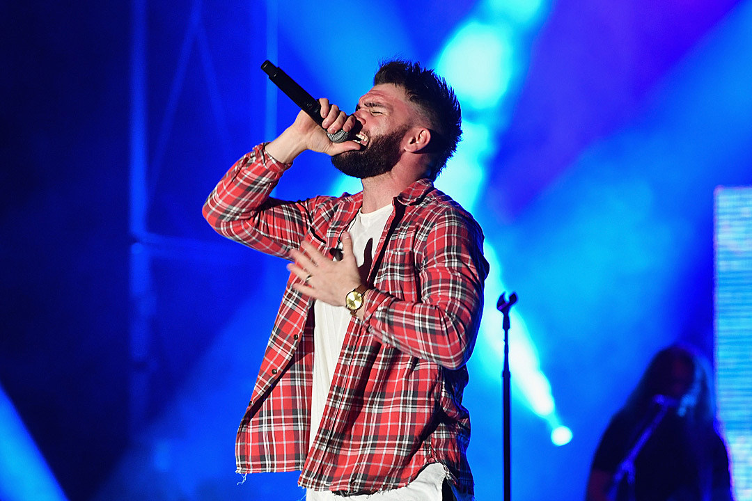 Will Dylan Scott's Hometown Video Hit the Country Countdown?