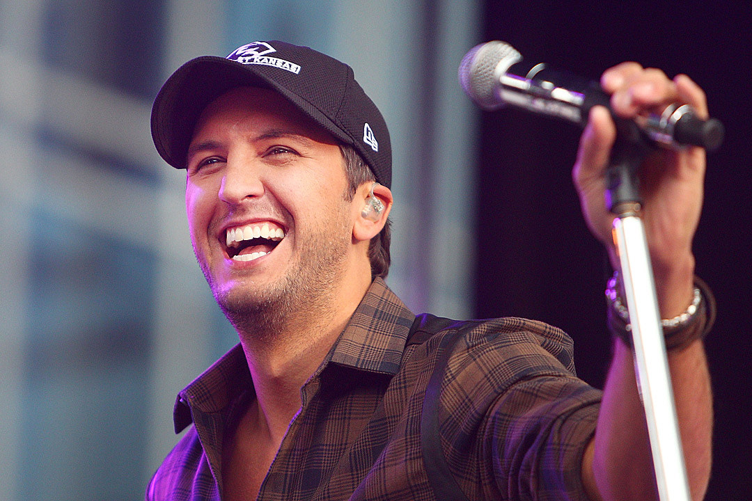 Will Luke Bryan Bring 'Country' to the Top Videos Countdown?