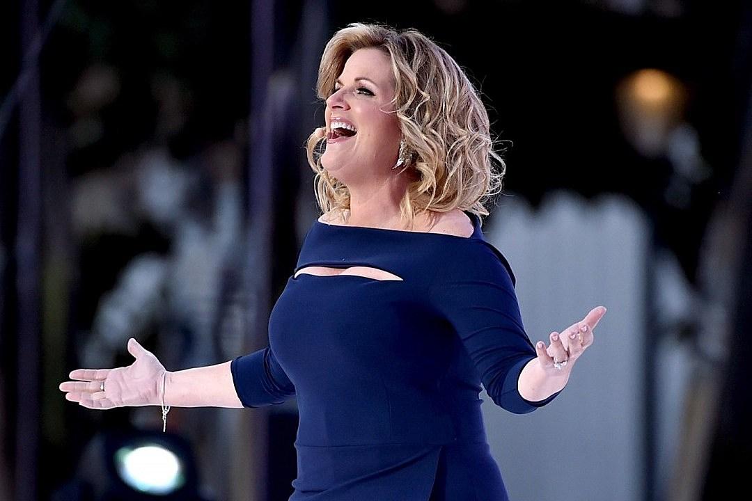 Trisha Yearwood Laughs About Onstage Wardrobe Malfunction