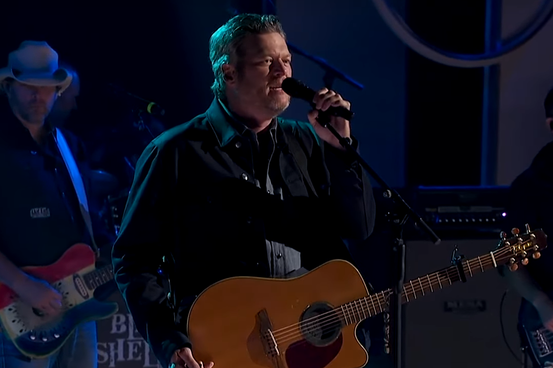 Blake Shelton Delivers 'God's Country' on Red Nose Day Special [Watch]