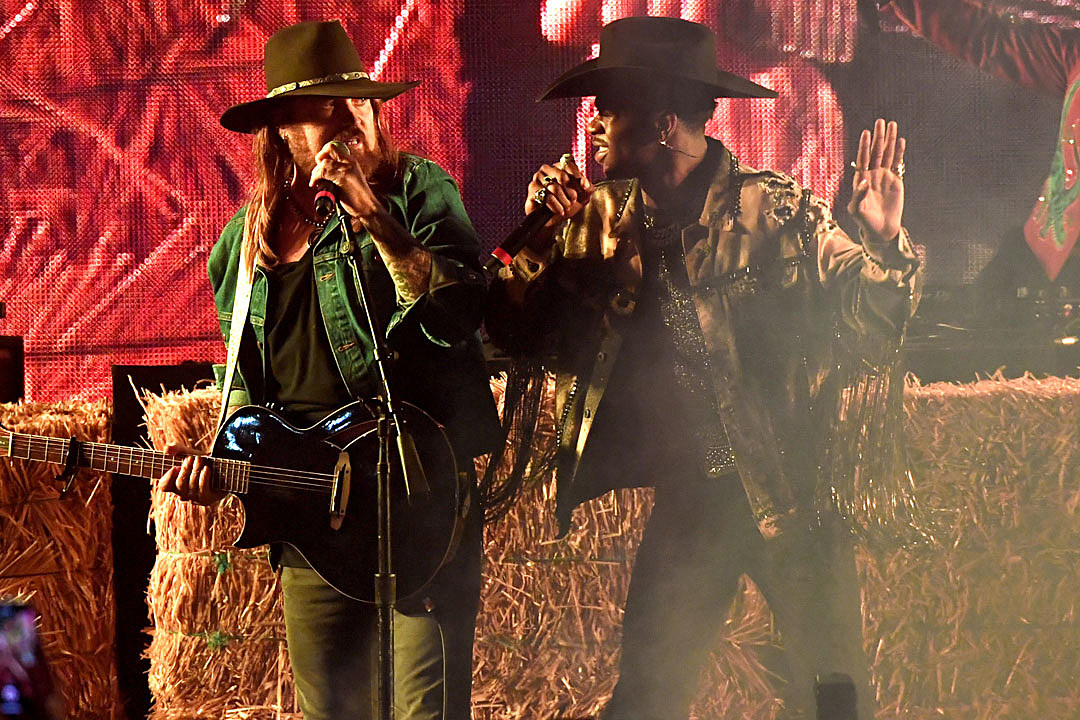Billy Ray Cyrus and Lil Nas X Steal 2019 BET Awards With 'Old Town Road'