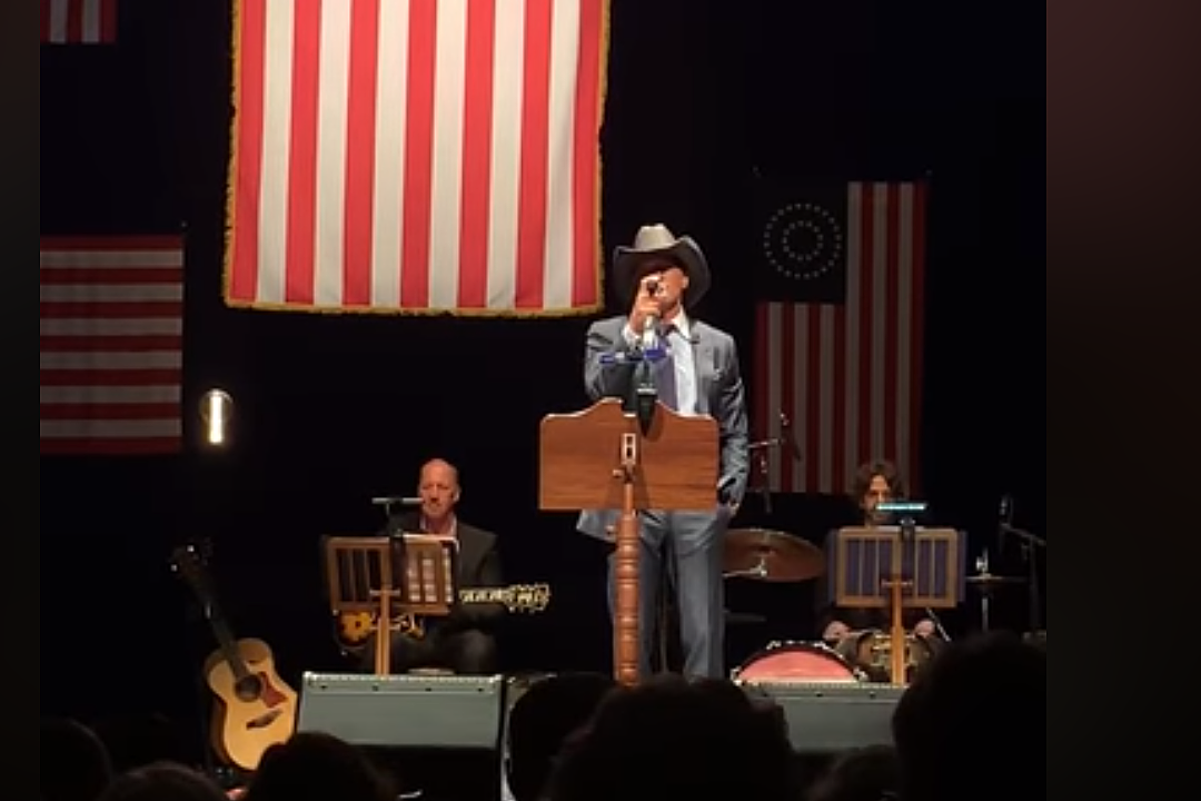 Tim McGraw Blesses Book Tour Attendees With 'God Bless the USA' Cover [Watch]