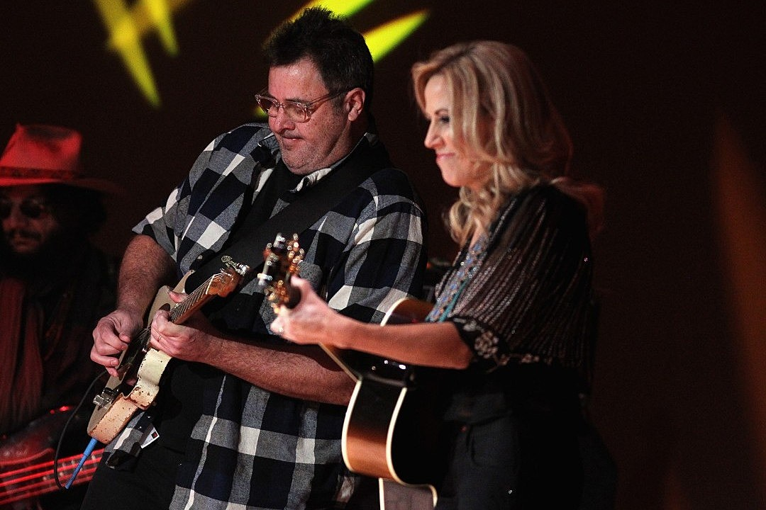 Vince Gill, Emmylou Harris, Luke Combs and Sheryl Crow Set for All for the Hall Los Angeles