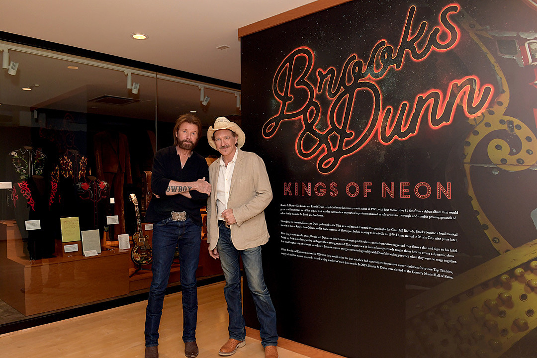 Brooks & Dunn Open 'Kings of Neon' Exhibit at Country Music Hall of Fame [Pictures]