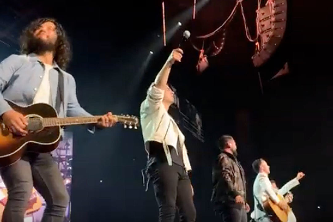 Dan + Shay Join the Jonas Brothers for 'Tequila' in Nashville