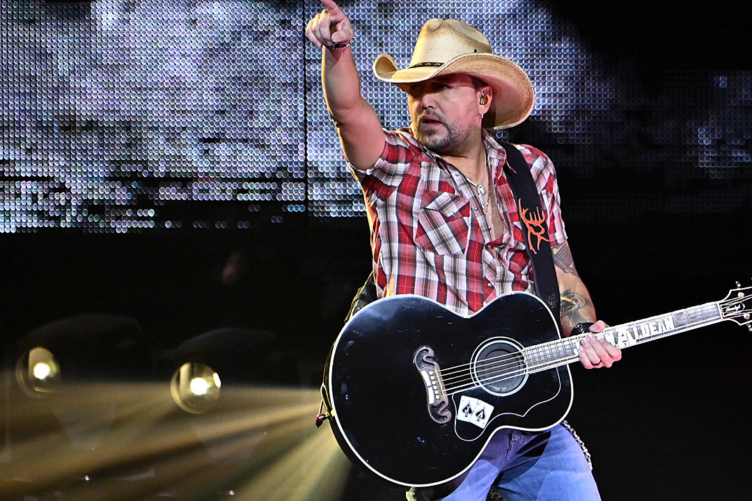 How Jason Aldean Fan Kolter Beneitone Came to Symbolize #VegasStrong