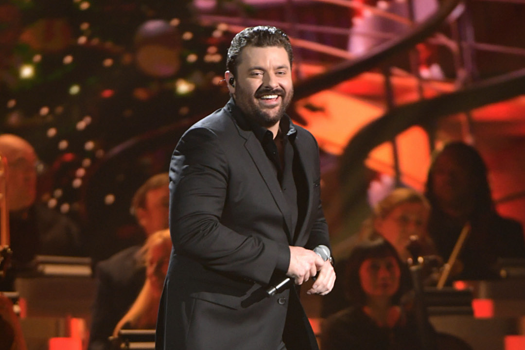 Chris Young Gets Festive with CMA 'Holly Jolly Christmas' Performance [Watch]