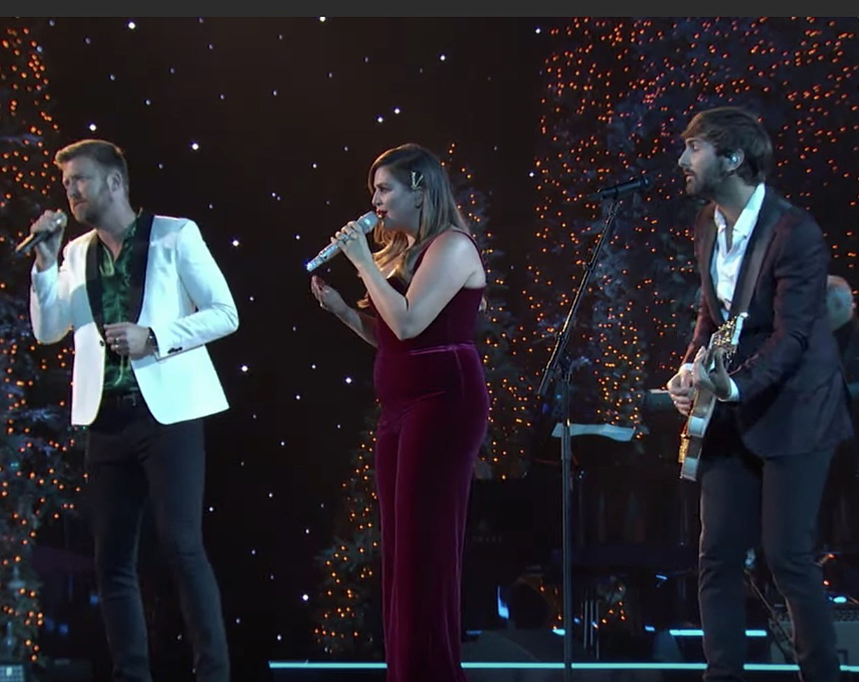 Lady Antebellum Charm With CMA 'White Christmas' Performance [Watch]
