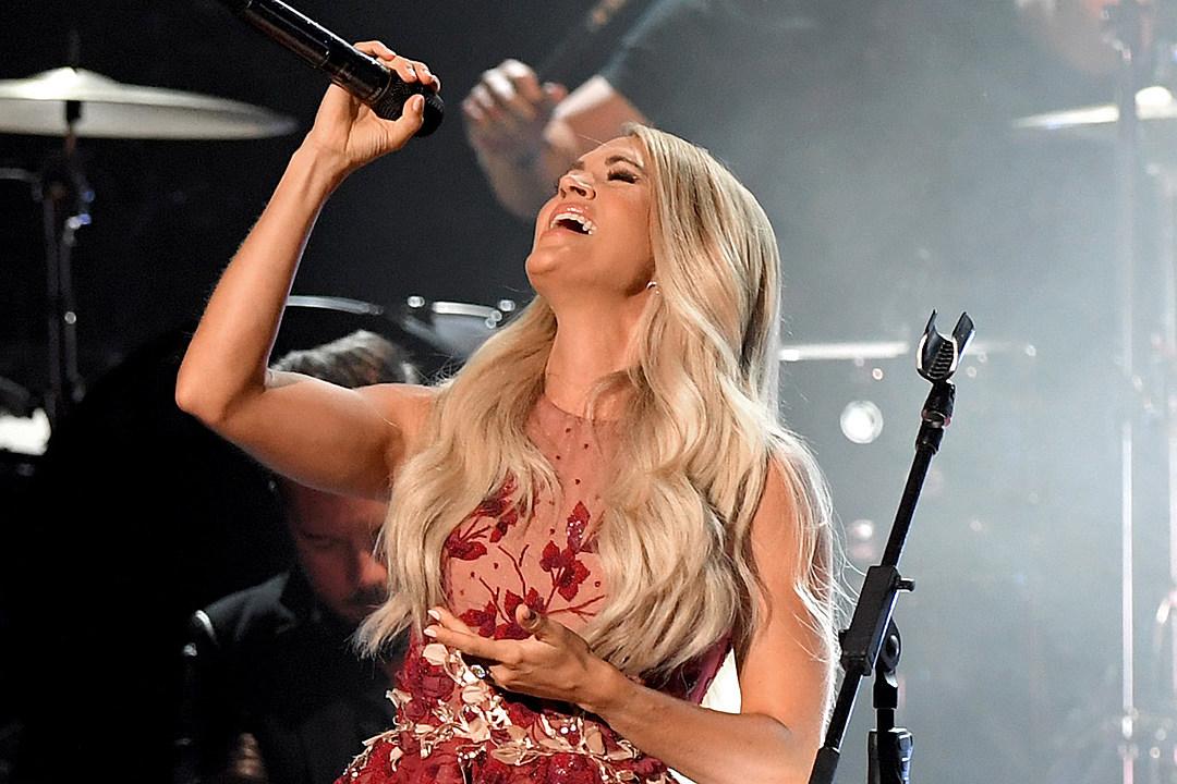 Carrie Underwood ACM 90s Martina McBride